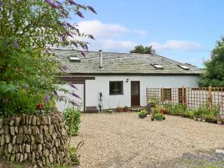 SPRING COTTAGE, pet friendly, country holiday cottage, with open fire in Lynton, Ref 8624