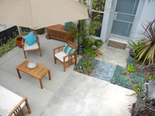 2 Master Suites! Profiled in The Daily Telegraph! - Santa Monica vacation rentals
