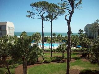 Shorewood 333 -Renovated Oceanview 3rd Floor Condo with Stunning Views, Hilton Head
