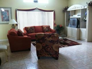 SPECIAL- Budget 3bd  $ 105 Off Season & $ 110 Peak, Kissimmee