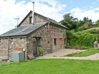 THE BYRE, family friendly, character holiday cottage, with a garden in Combe Martin, Ref 10149