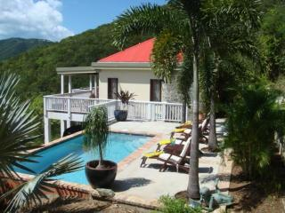 Bo Atabey Quiet-Private Pool-2 King Suites-Views, Coral Bay