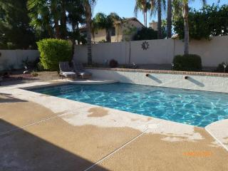 Luxury 3 Bed 2 Bath Villa with Own Heated Pool., Scottsdale