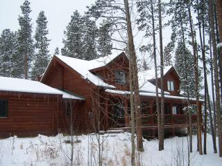 Peak 7 Log Home, Sleeps 14, Hot tub, wifi, HBO, Breckenridge