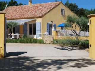 Beautiful 4 Bedrooom House with Pool, Sleeps 8, in, Artignosc-sur-Verdon