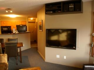 Great Reno! Village-1 Bedroom+2 Sofabeds, LCD HDTV, Whistler