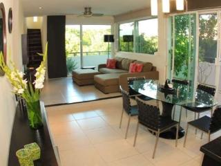 3 Bedroom Penthouse just 1.5 blocks from Coco Beach, Playa del Carmen