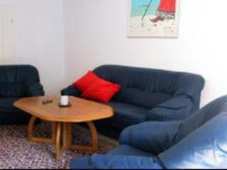 Vacation Apartment in Halle an der Saale - 969 sqft, spacious, comfortable (# 1947), Halle (Saale)