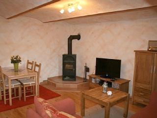 Vacation Apartment in Kerben - 431 sqft, nice, romantic tiled oven, pretty furnishings (# 1012)