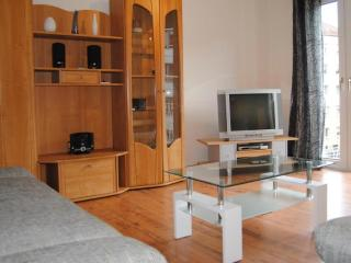 Vacation Apartment in Nuremberg - 560 sqft, family-friendly, modern, suitable for seniors (# 1839), Núremberg