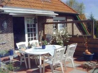 LLAG Luxury Vacation Apartment in Papenburg - 646 sqft, central but quiet location, clean, bright and…