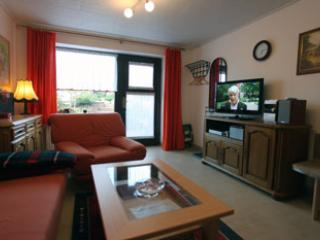 Vacation Apartment in Kranichfeld - 431 sqft, spacious and charming (# 1529)