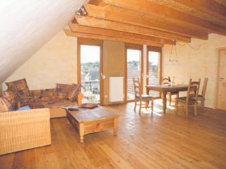 Vacation Apartment in Eichstetten am Kaiserstuhl - 721 sqft, located near vineyard, peaceful, cozy,…, Boetzingen