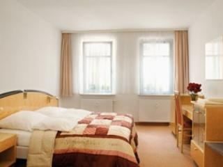 LLAG Luxury Vacation Apartment in Nuremberg - nice, modern, clean (# 653), Núremberg