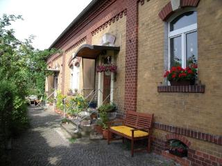 Vacation Apartment in Dresden - 398 sqft, new, modern (# 355)