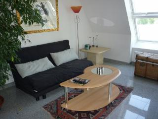 Vacation Apartment in Nuremberg - 431 sqft, clean, spacious, great views from balcony (# 1241), Núremberg