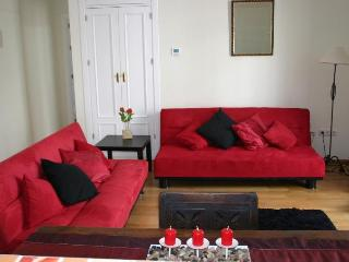 2 Bedroom Apt. in Heart of Jerez de la Frontera, - Jerez De La Frontera vacation rentals