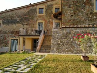 Viola Apartment with Garden, Pool, and Panoramic Views, Pergine Valdarno
