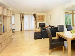 LLAG Luxury Vacation Apartment in Ruhpolding - 972 sqft, centrally located, quiet, 5 stars (# 3205)