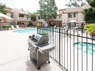 2 bedroom Condo Centrally Located in San Diego