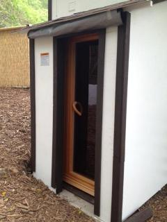 All the amenities of a reosrt..dry sauna, hot tub, outside shower, much more!