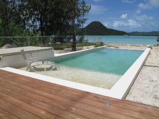 Out of the Blue Beach House -, Jolly Harbour