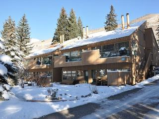 Convenient Condo in East Vail just steps from the free bus into Vail village