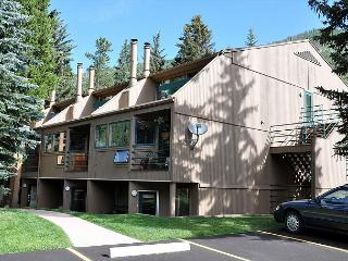 Studio apartment with a loft. Feels like a one bedroom condo!, Vail
