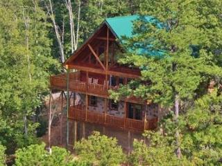 Luxury Living at Shaconage Lodge, Sevierville