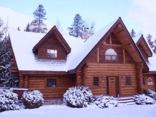 Mountainside Log Chalet at Fernie Alpine Resort