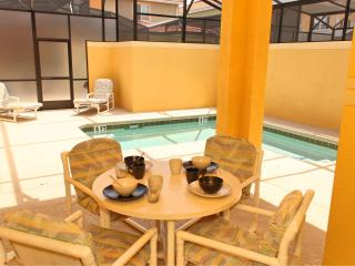 Paradise Palms 4 Bedroom Home with Private Pool, Kissimmee