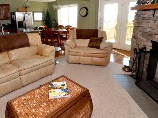 Summit 205C: Wonderful Condo with 3 BR / 2 Bath, Snowshoe