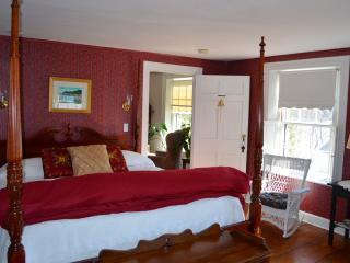 B&B room rental - quiet street along the Kennebec, Bath