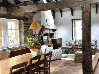 Old stone house charm and all modern conveniences, Châteaulin