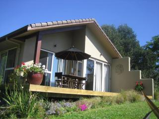 The Orchard Cottage a relaxing retreat., Whitianga