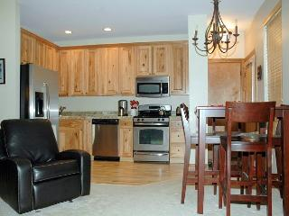 Newly built, high end one bedroom with garage in the heart of Winter Park!!!!