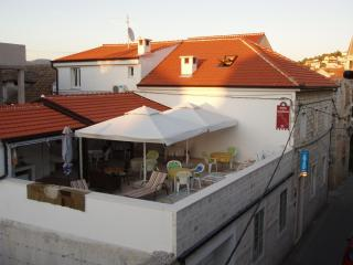 Triple room 4* close to center of old town Trogir