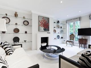 Lancaster M - by onefinestay, Richmond-upon-Thames