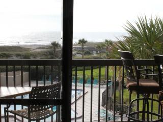 Oceanfront Condo with Pools Tennis Courts & More!, Fernandina Beach