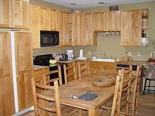 Fully Equipped Kitchen, Dining Table Seats 8