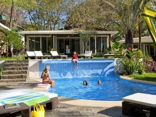 The Breeze-Luxury 2 bedroom villas by beach/restos, Tamarindo