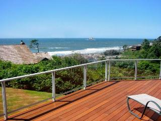 View of the Pacific Ocean from the deck of Cove Cottage Oregon
