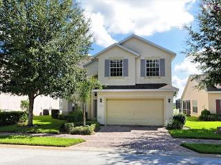 BISHOP'S COURT: 5 Bedroom Pool and Spa Home with Beautiful Conservation Views, Davenport