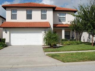 CALEDONIA: 4 Bedroom Pool Home with Two Master Suites in Gated Community, Clermont