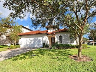 HAZELWOOD: 4 Bedroom Pool and Spa Home with Community Amenities, Clermont