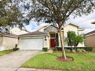 TYNLEE: 4 Bedroom Home with 2 Master Suites, Davenport