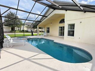 CAPE CLEAR: 4 Bedroom in Gated Community with 2 Master Bedrooms, Davenport