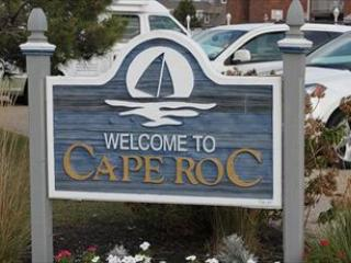 BEACH SIDE CONDO WITH SWIMMING POOL 92461, Cape May
