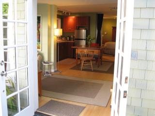 Pacific Heights, Large, Quiet, Garden Apartment, San Francisco