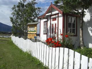 House with soul, idyllic site by sea, Nordland